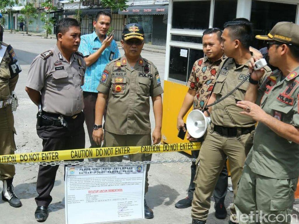 Nunggak Pajak Rp 5 Miliar, 7 Tempat Usaha di Palembang Disegel