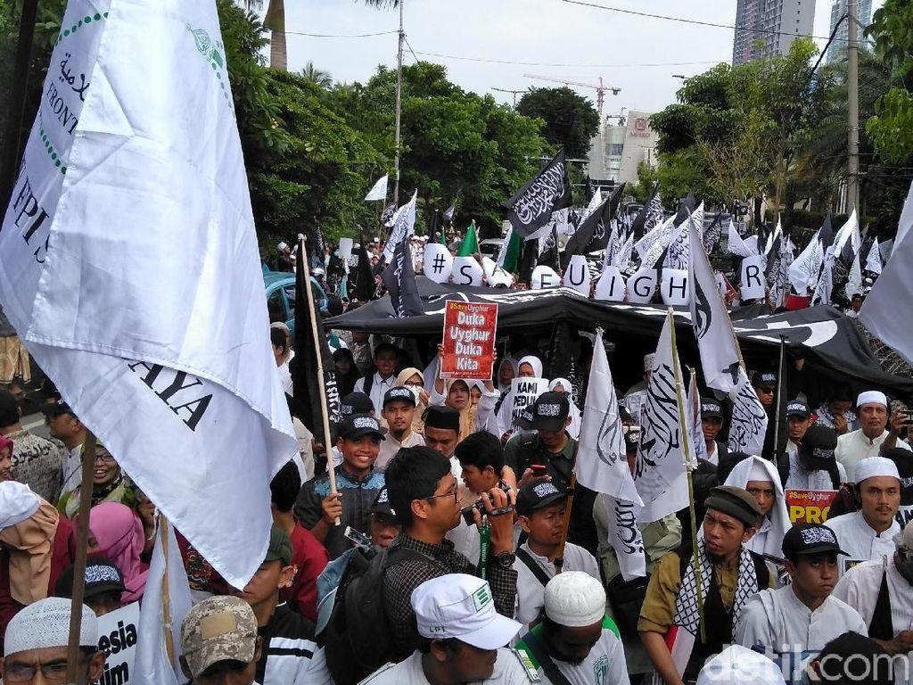 Ormas Islam Surabaya Aksi Solidaritas Muslim Uighur di Konjen China