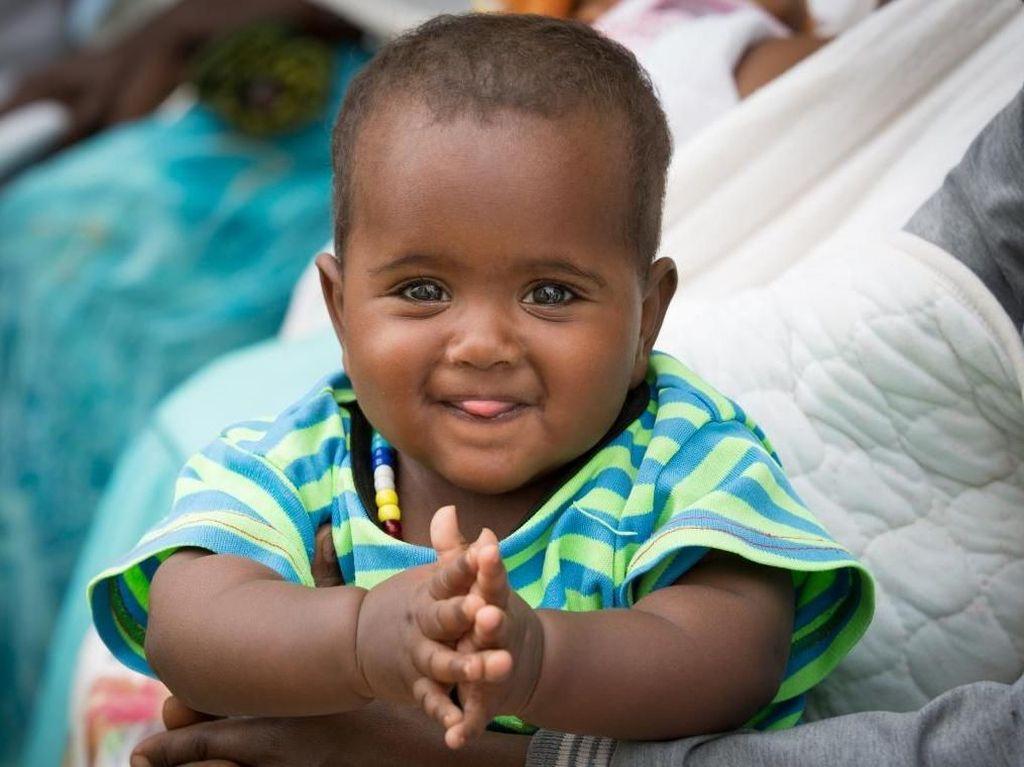 Potret Senyum Manis Anak-anak di Negara Konflik
