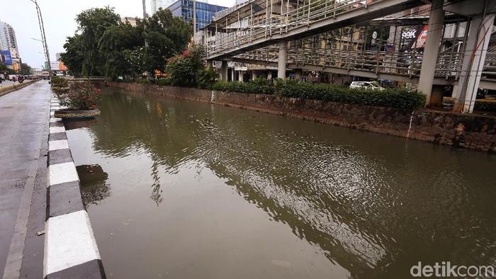 Potret Kali Ciliwung Kota Yang Kini Terlihat Bersih (Foto: Rengga Sancaya/detikcom)