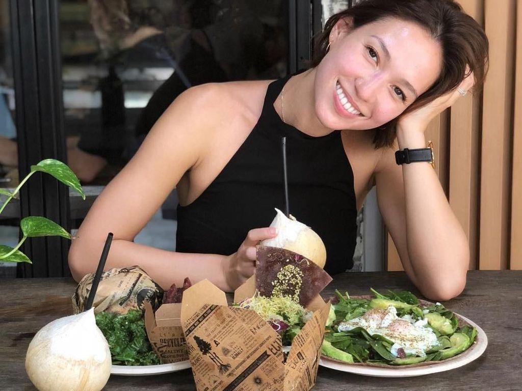 Pesona Liv Lo, Istri Henry Golding yang Hobi Yoga dan Makan Sehat
