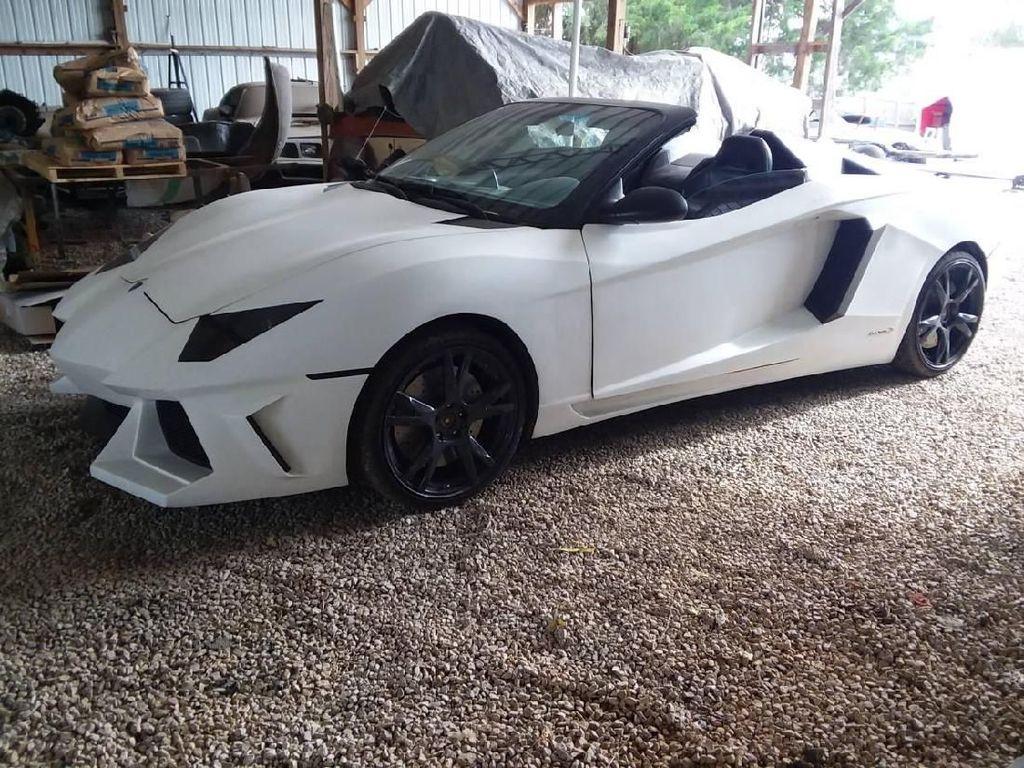 Mencurigakan, Ada Lamborghini Seharga Innova
