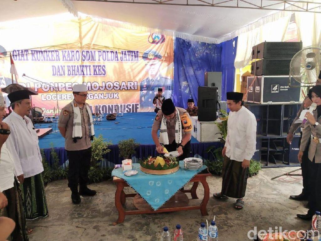 Jelang Tahun Baru dan Cegah Hoax, Polda Jatim ke Ponpes Nganjuk