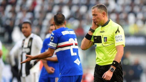 Wasit Paolo Valeri dua kali menggunakan VAR untuk insiden yang krusial.