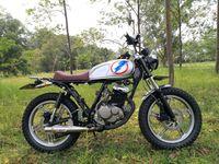 Modifikasi Suzuki Thunder Bergaya Brat