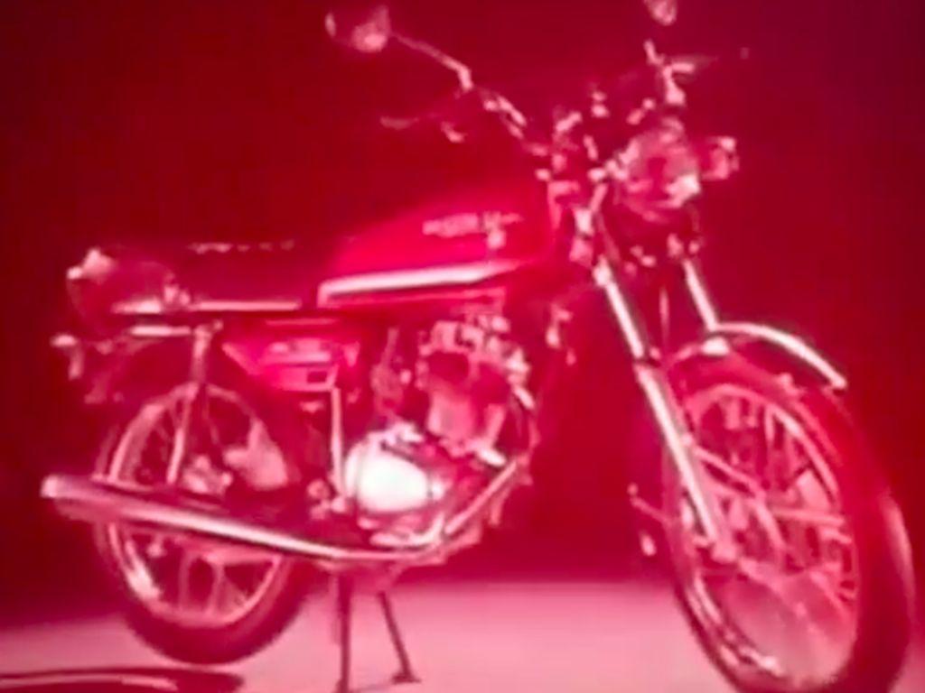 Kocaknya Iklan Jadul Motor Honda Honda GL Series Ini