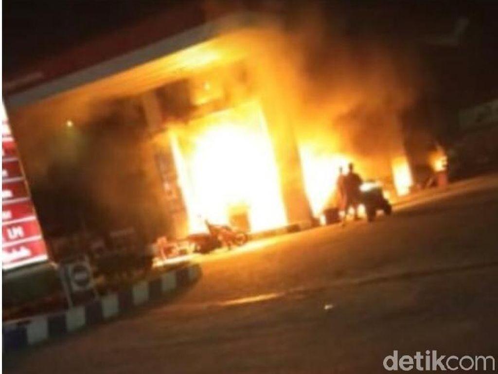 SPBU di Kediri Terbakar Hanguskan Motor dan Mobil