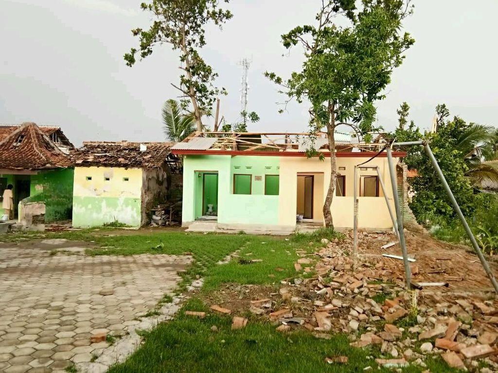 Nasib Rumah-rumah Tak Bergenting Usai Diterjang Puting Beliung