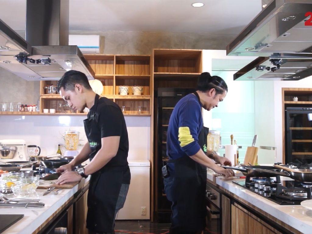 Sup Tomat Kaya Rasa ala Chef Chandra VS Chef Archie
