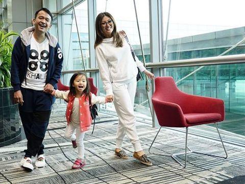 Latih Kemandirian, Ruben Onsu & Istri Biarkan Anak Cuci Piring