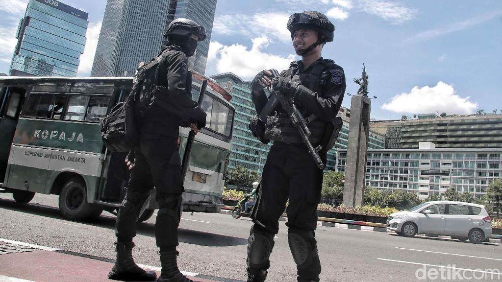 Polisi Bersenjata Laras Panjang Siap Amankan Perayaan Tahun Baru