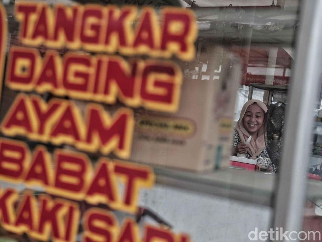 Pemkot Jakbar akan Coret 137 PKL karena Tunggak Iuran