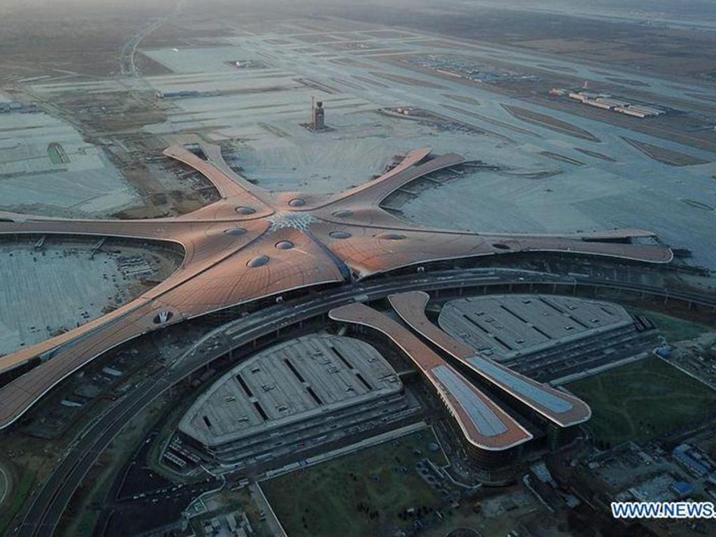 Megahnya Bandara di Beijing yang Mirip Pesawat Luar Angkasa