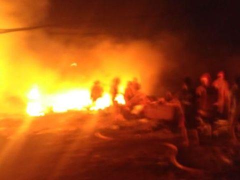 Gudang Barang Bekas di Jaktim Terbakar