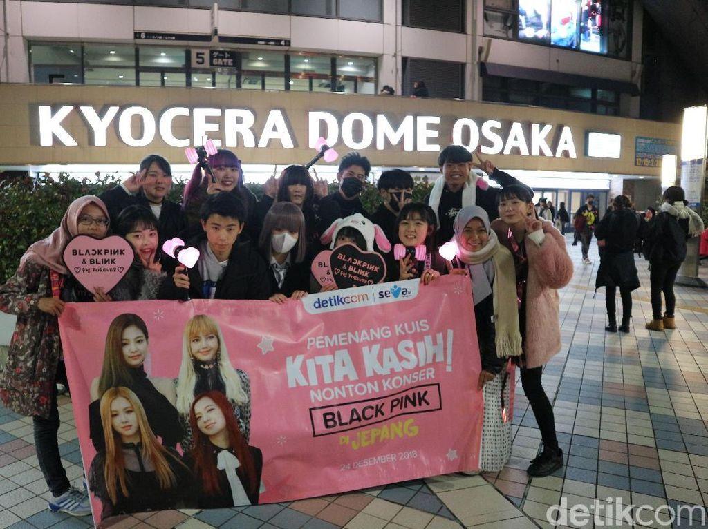 Happy! Intip Keseruan Pemenang Kuis Nonton Konser BLACKPINK di Jepang