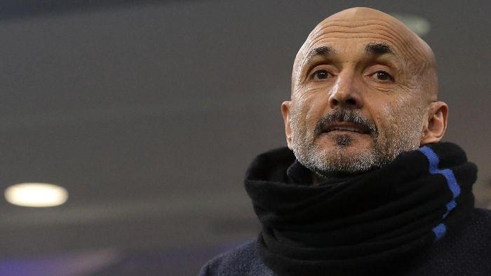 Luciano Spalletti masih akan melatih Inter Milan pada musim depan (Foto: Emilio Andreoli/Getty Images)
