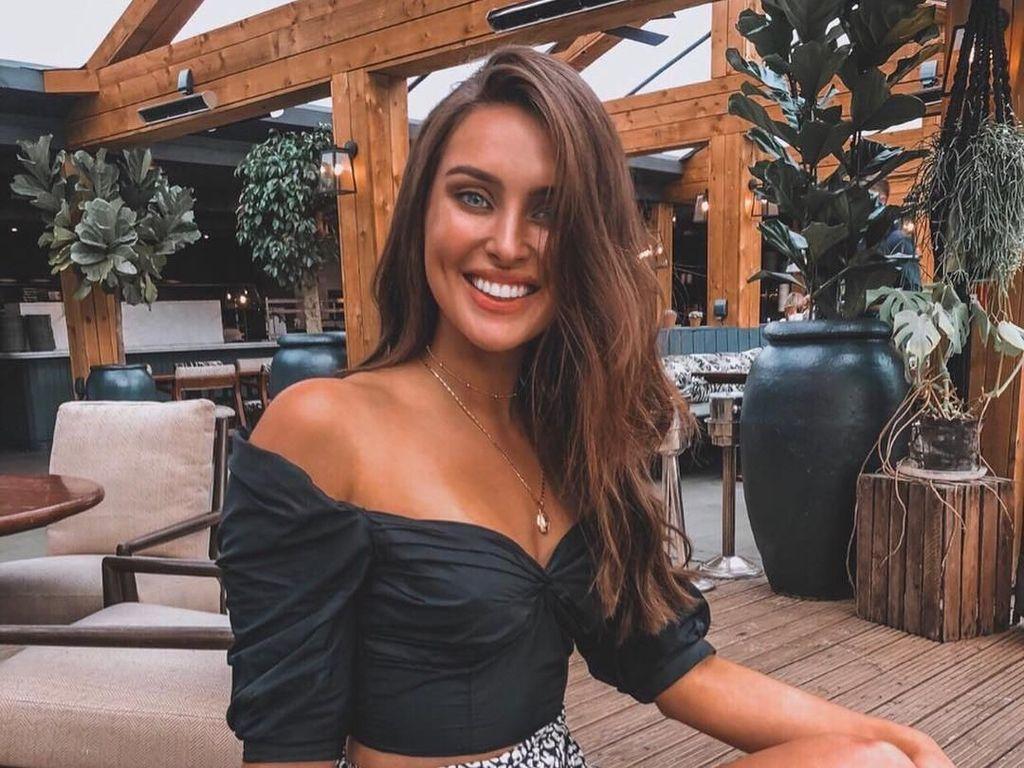 Potret Finalis Miss Universe yang Viral karena Pamer Stretch Marks di Bali