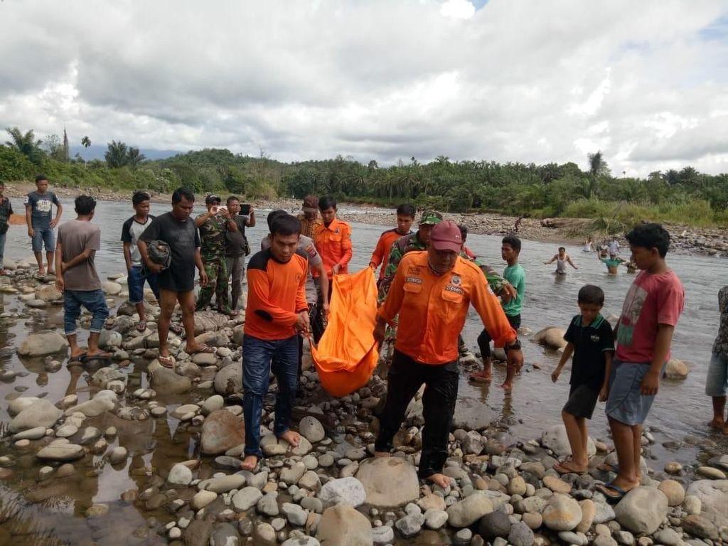 Kena Air Bah, Pencari Ikan di Sumbar Ditemukan Tewas