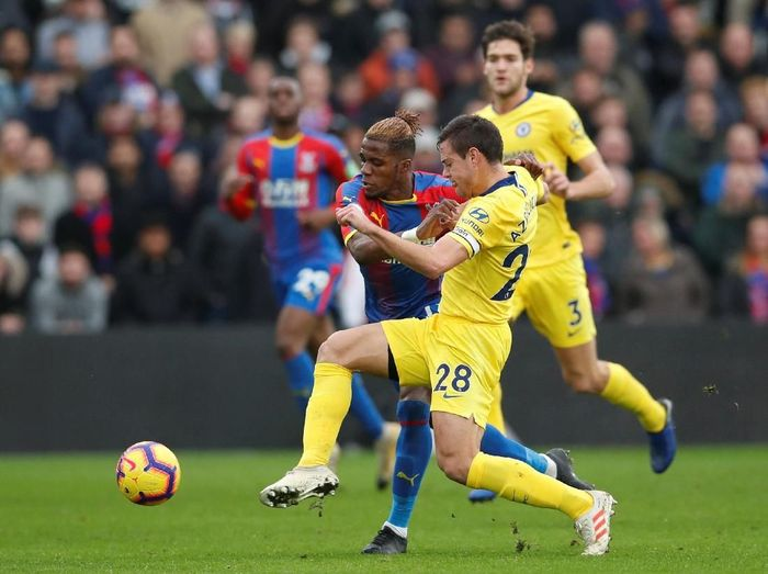 NGolo Kante jadi pahlawan kemenangan Manchester City saat bertamu ke Crystal Palace. Dia mencetak satu-satunya gol kemenangan 1-0 The Blues.