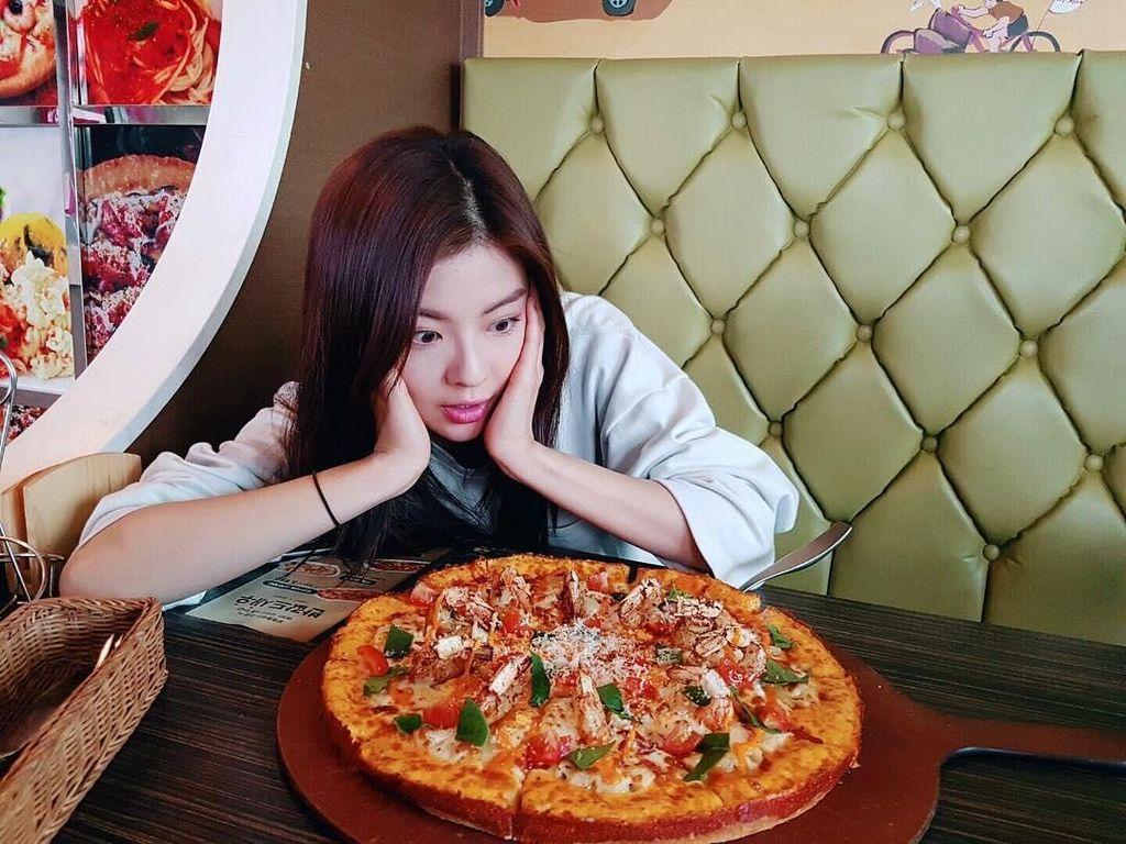 Lee Sun Bin, Pacar Baru Lee Kwang Soo yang Doyan Pizza dan Tteokbokki