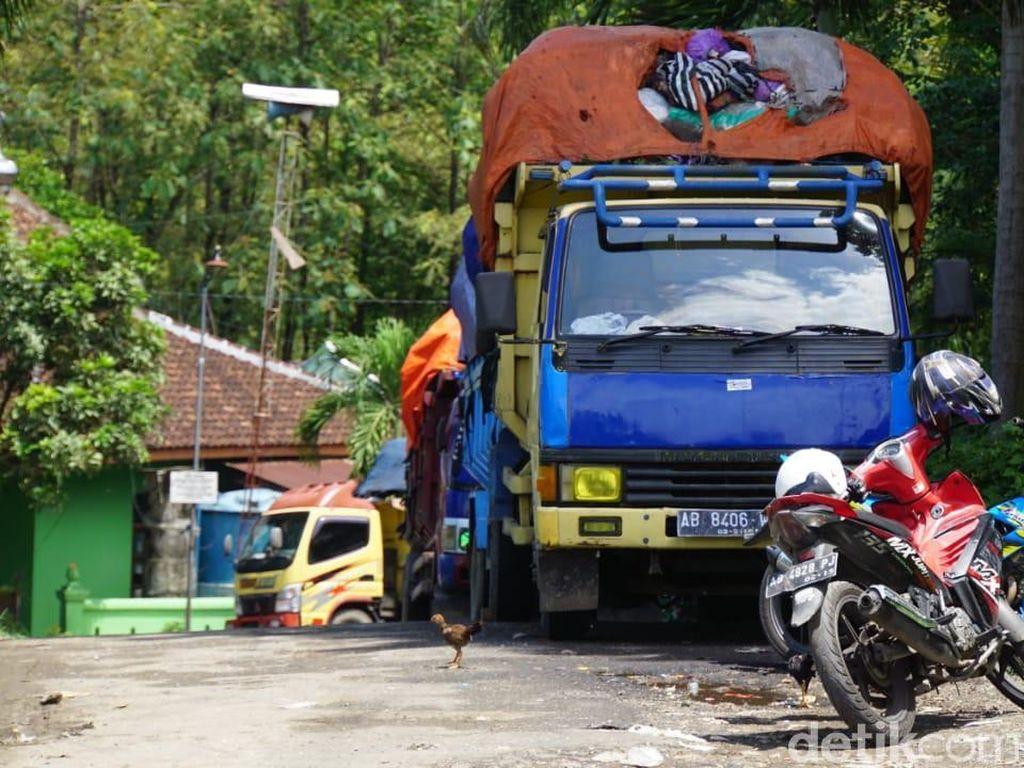 Dijanjikan Perbaikan Jalan ke TPST Piyungan, Aksi Blokir Disetop