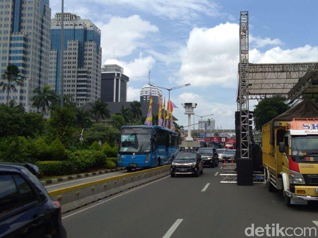 Potret Kondisi Lalin di Jalan MH Thamrin Jelang Car Free Night