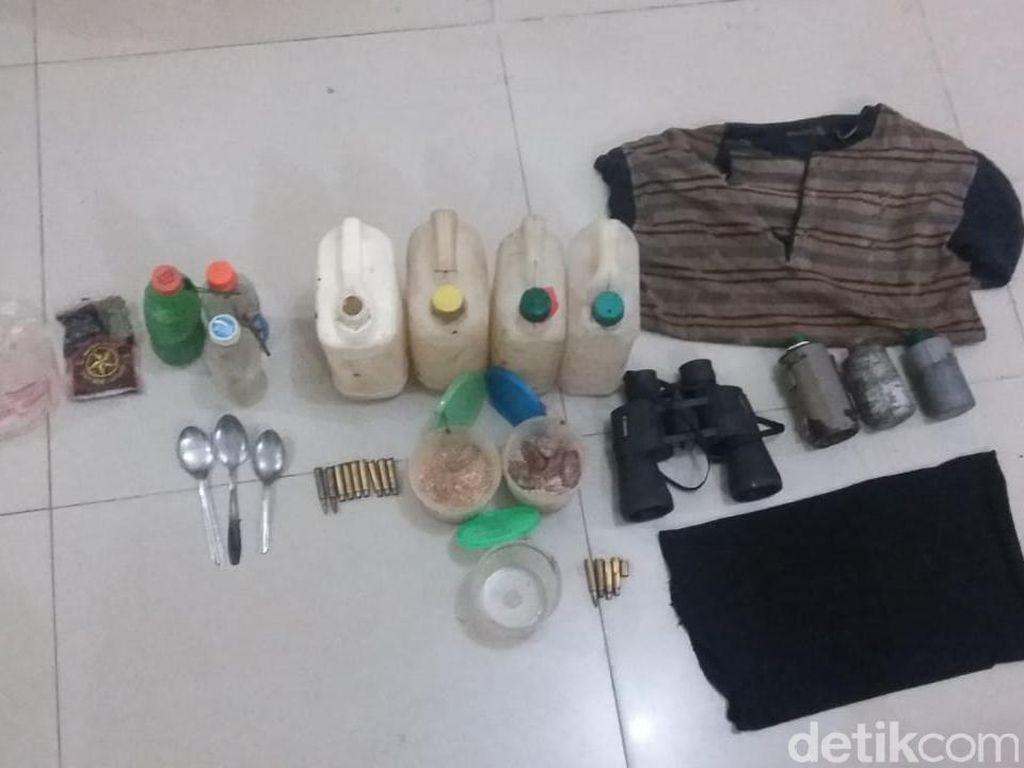 Buru Ali Kalora Cs, Polisi Temukan Bom Lontong hingga Amunisi