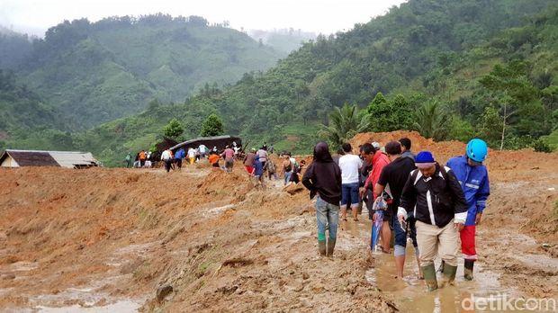 Begini Kondisi Kampung Adat Sukabumi yang Terkubur Longsor