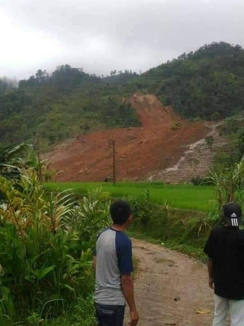 Terdengar Erangan, Tim Lanjut Cari Korban Longsor Kampung Adat Sukabumi