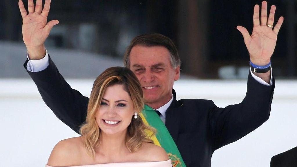 Foto: Cantiknya Ibu Negara Brazil yang Lebih Muda 25 Tahun dari Suami