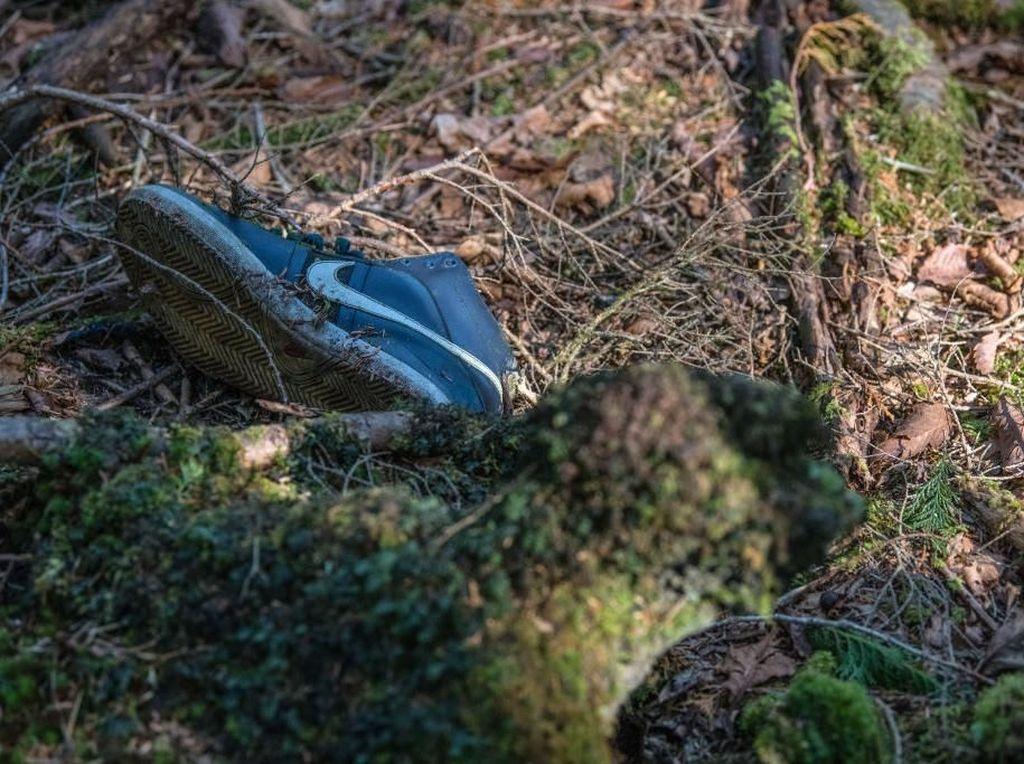 Kisah di Balik Benda yang Tersisa di Hutan Bunuh Diri Jepang
