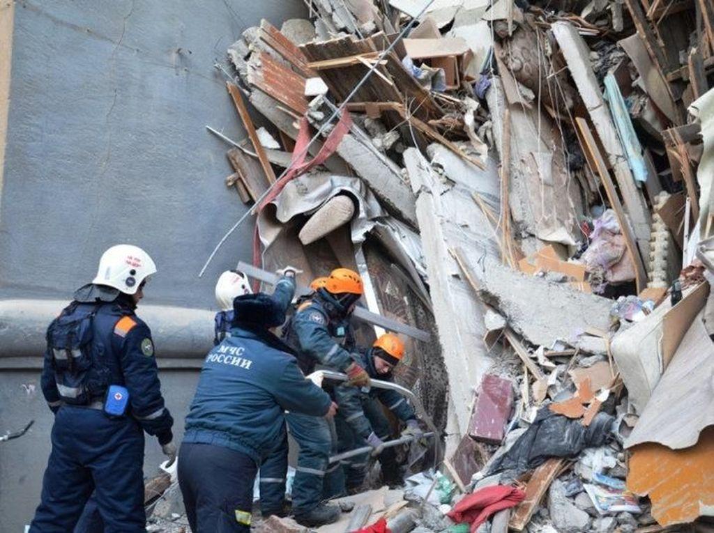 Penampakan Bangunan Runtuh di Brasil, 2 Orang Tewas