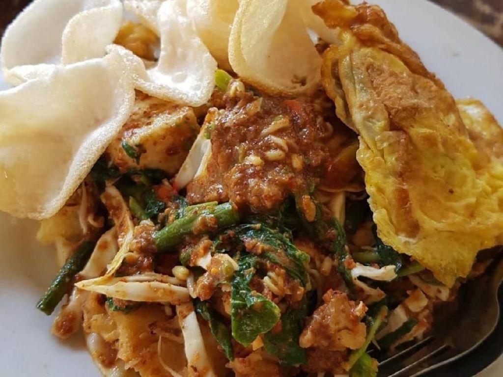 Mulai Pola Makan Sehat dengan Sarapan Lotek yang Gurih Segar