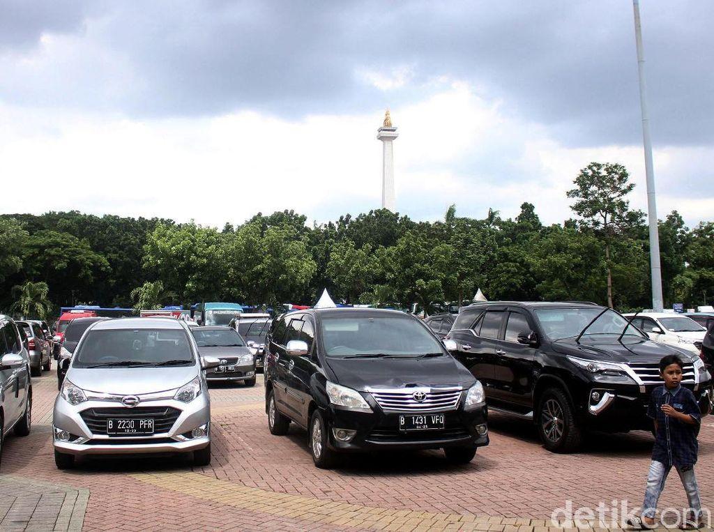 Tarif Parkir DKI Mau Naik, Kendaraan Hilang Harus Ditanggung Pengelola!