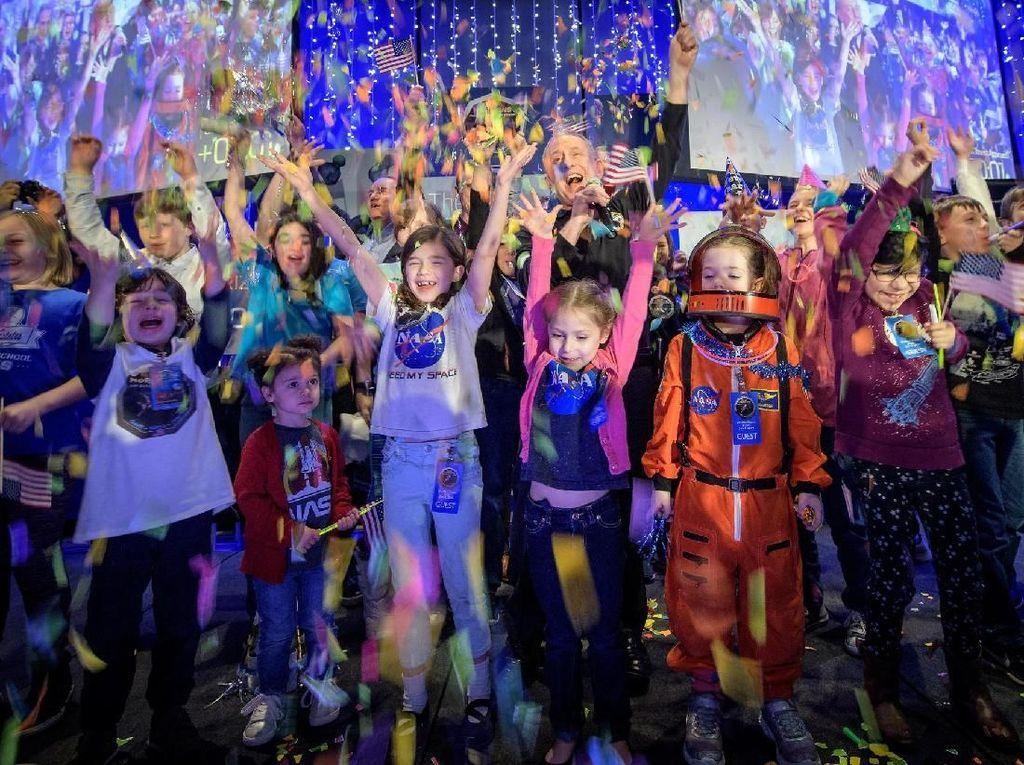 Pesta NASA Rayakan Kunjungan ke Tetangga Pluto