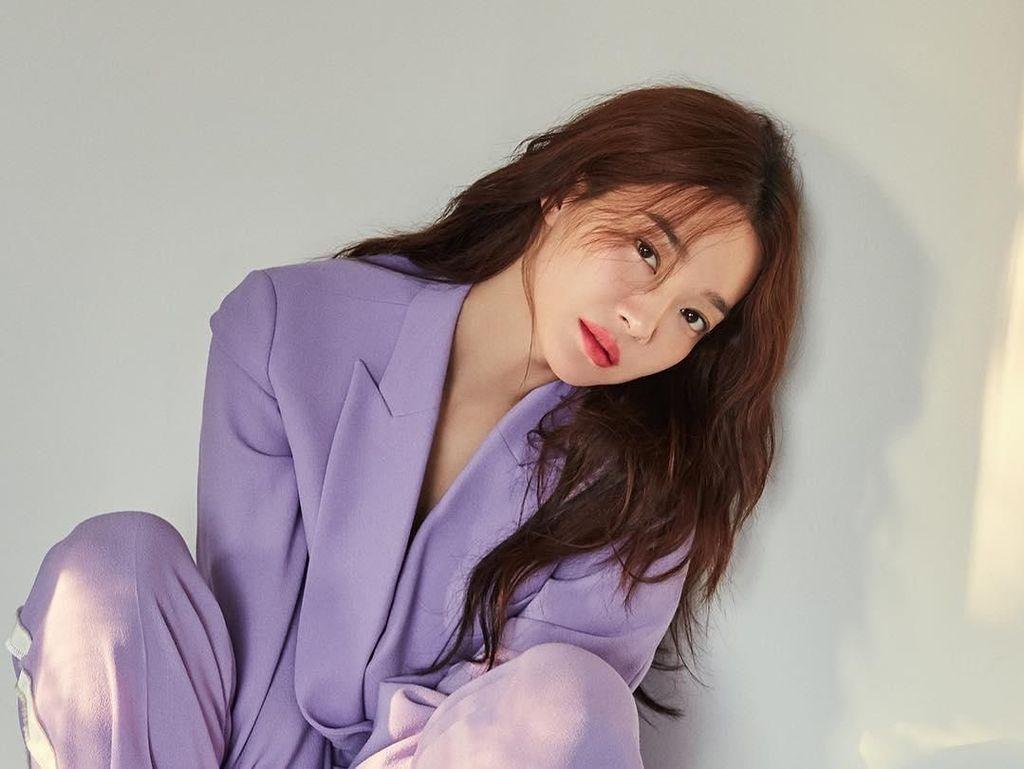 Shin Min Ah Akan Beradu Peran dengan Nam Joo Hyuk Lewat Here