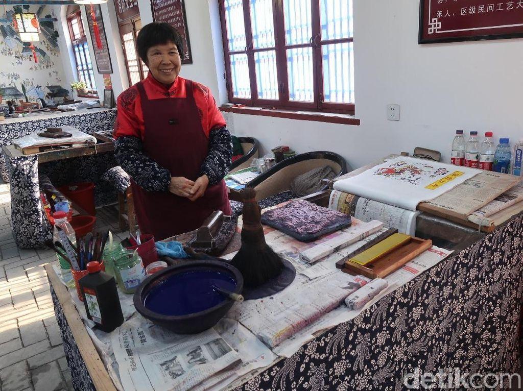 Kisah Usaha Kertas Tahun Baru Imlek yang Mulai Ditinggalkan di China
