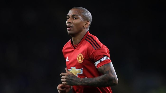 Ashley Young perpanjang kontrak dengan Manchester United hingga musim depan (Marc Atkins/Getty Images)