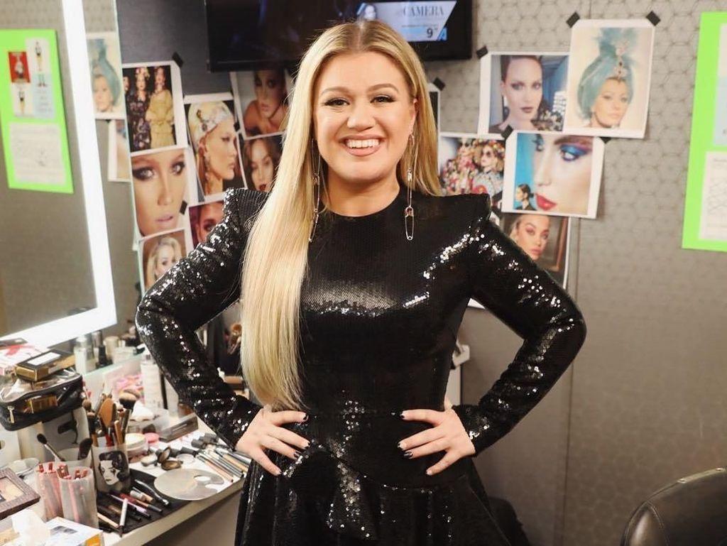 Kelly Clarkson Ungkap Momen Terburuk Selama Hidup