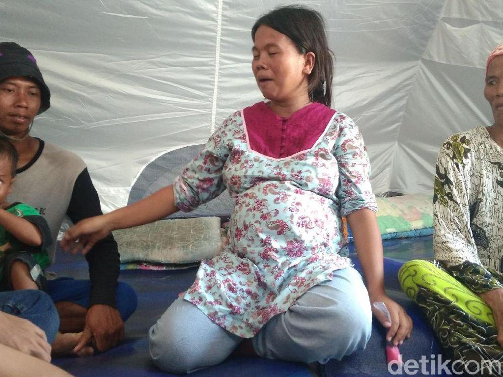 4 Keluarga Korban Puting Beliung Cirebon Huni Tenda Pengungsian
