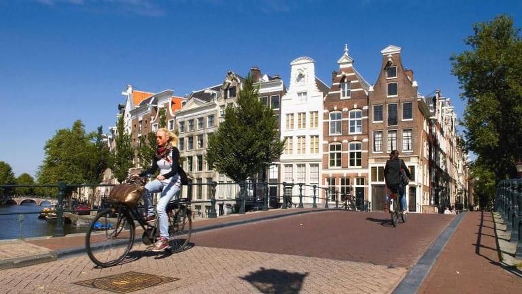 Belanda Bayar Orang yang Mau Bersepeda