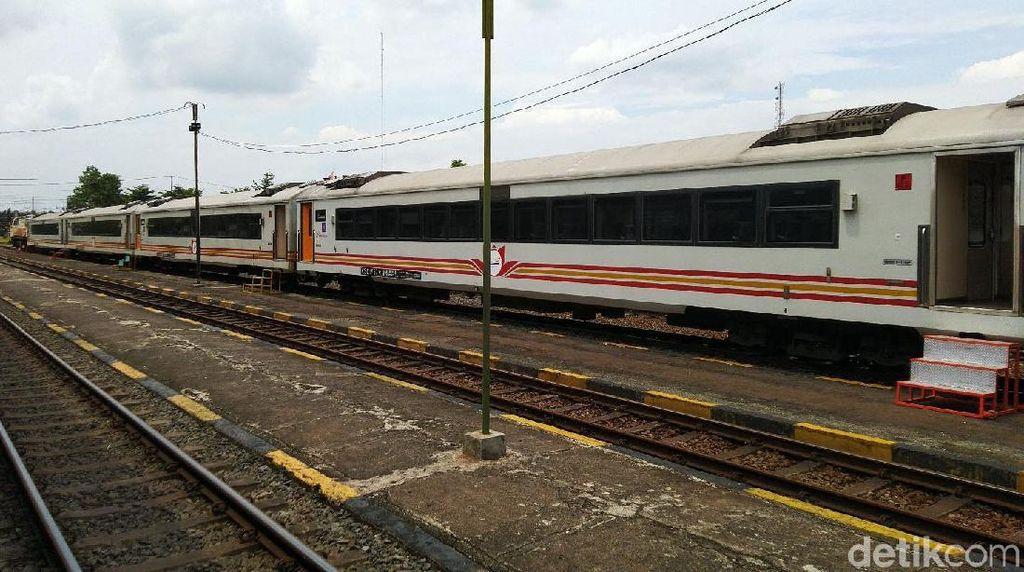 Grand Launching KA Pangandaran di Stasiun Banjar