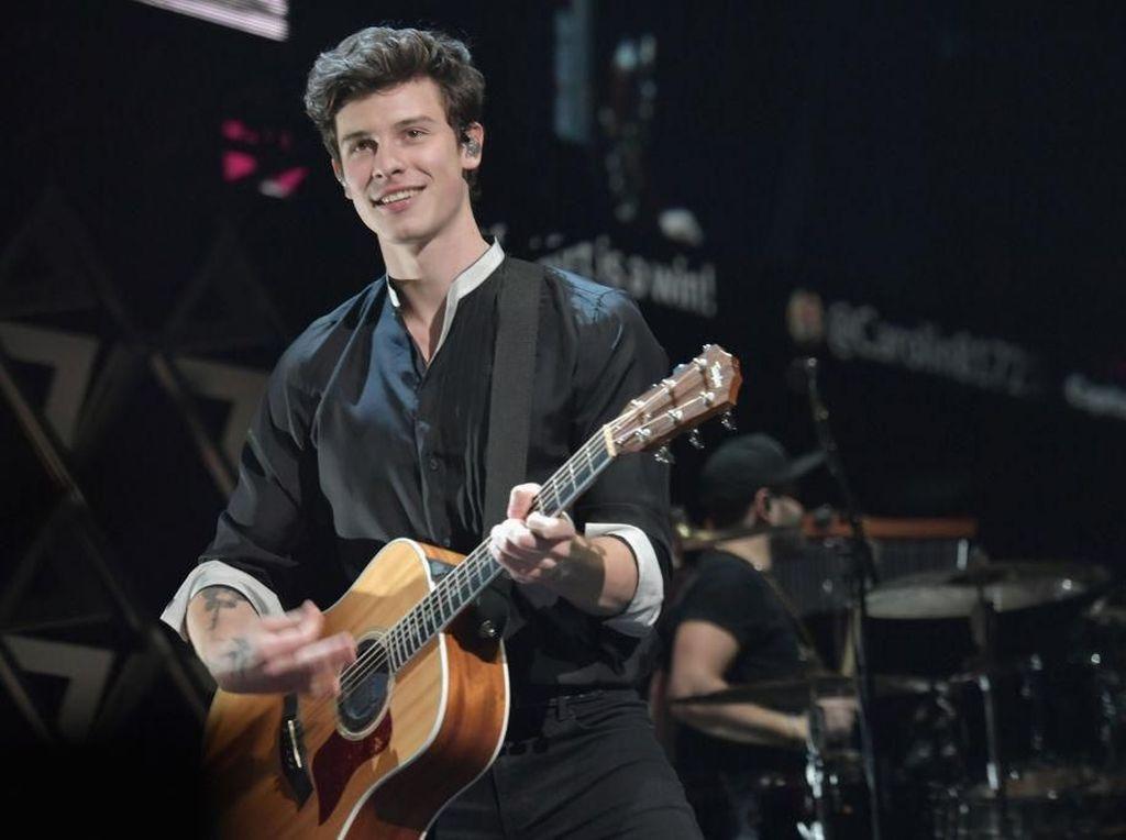 5 Lagu Andalan Shawn Mendes untuk Kamu Nyanyikan Bersama di Konsernya