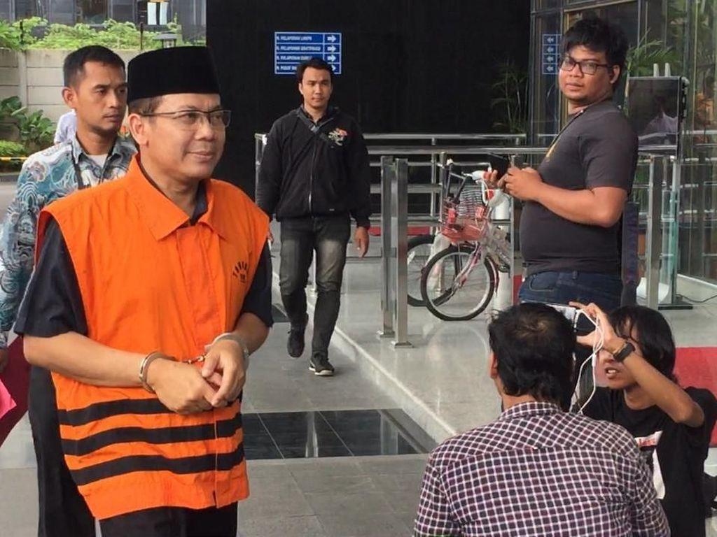 Tangan Diborgol, Wakil Ketua DPR Taufik Kurniawan Diperiksa KPK