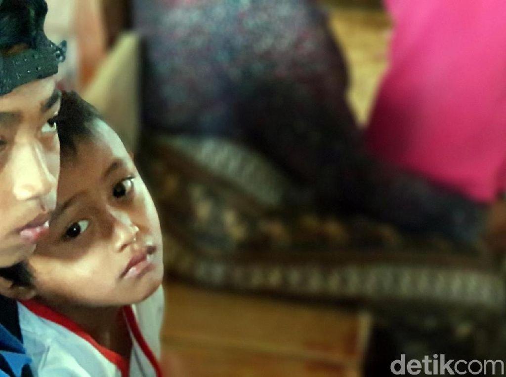 Janji Ridwan Kamil dan Duka Nestapa Kakak-Adik Korban Longsor