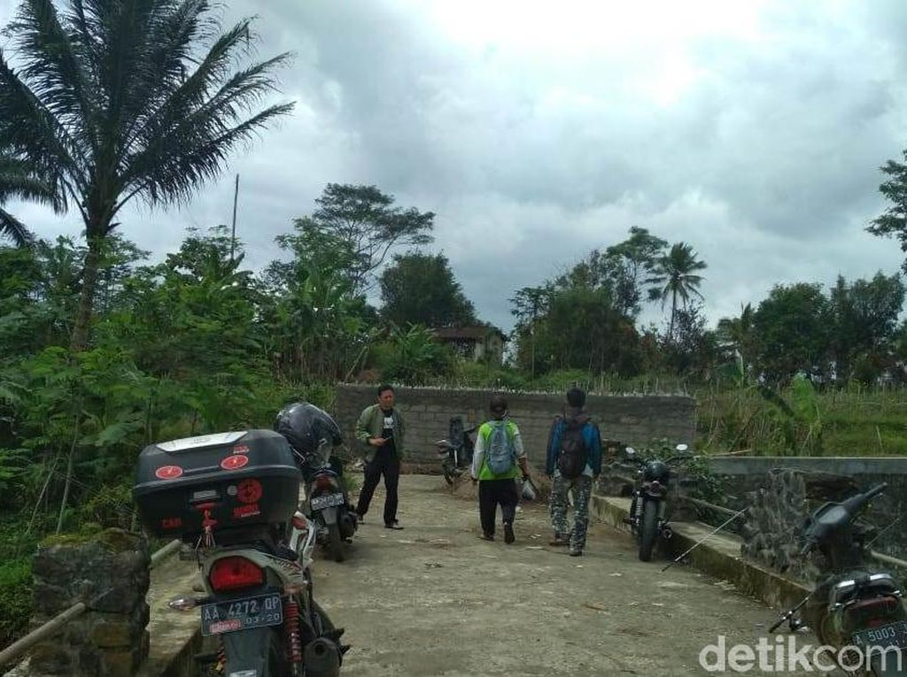 Kalah Pilkades, Warga di Wonosobo Menutup Jalan dengan Tembok