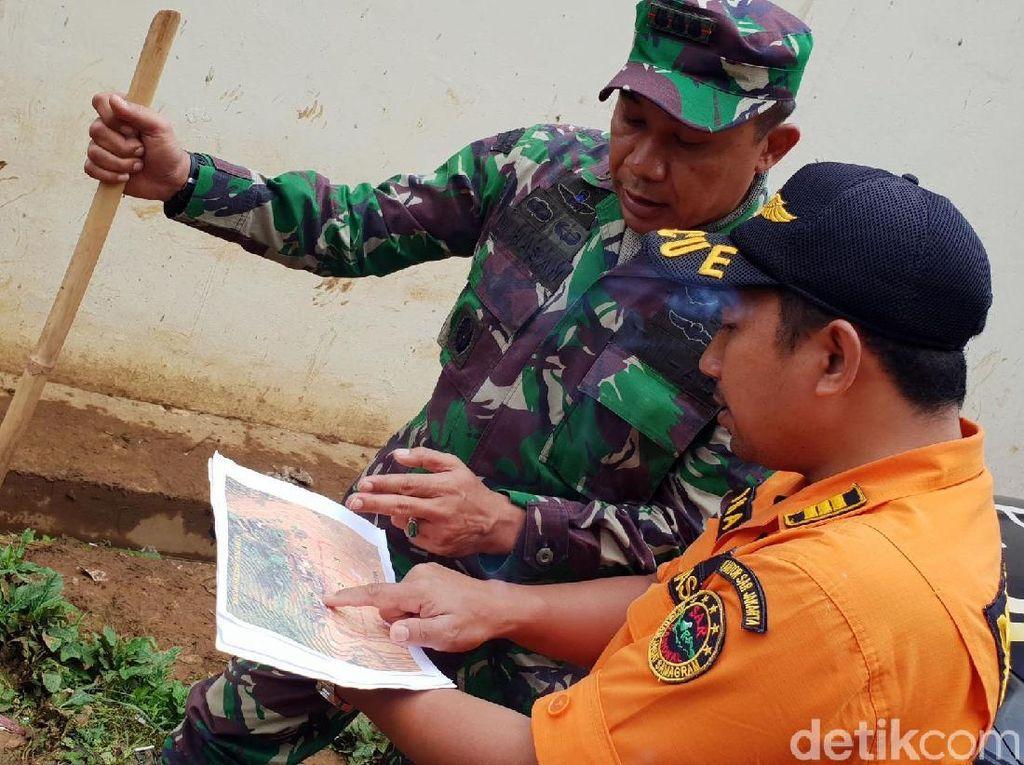 4 Mayat Ditemukan, Petugas Masih Cari 11 Korban Longsor Sukabumi