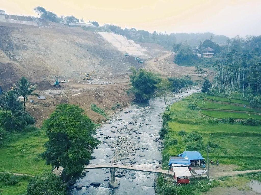 Mengintip Bendungan Pengendali Banjir Jakarta