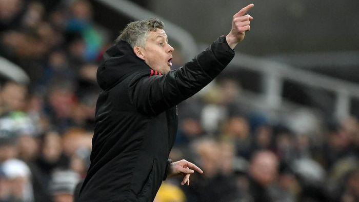 Ole Gunnar Solskjaer mungkin tak akan bisa dipermanenkan Manchester United di akhir musim nanti (Stu Forster/Getty Images)