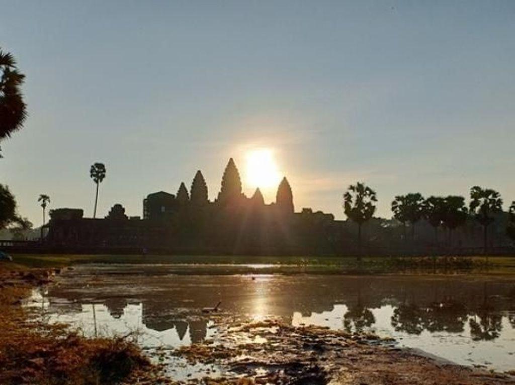 Kamboja Minta Uang Jaminan Rp 42,6 Juta dari Turis Asing